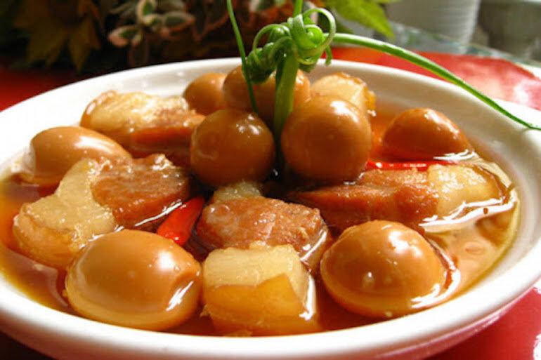 Món Tết đổi vận thịt kho tàu – Thịt đông - Việt Nam