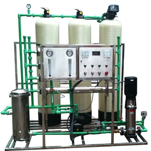 Máy lọc nước công nghiệp khác hoàn toàn với cách lọc thẩm thấu đơn thuần khác