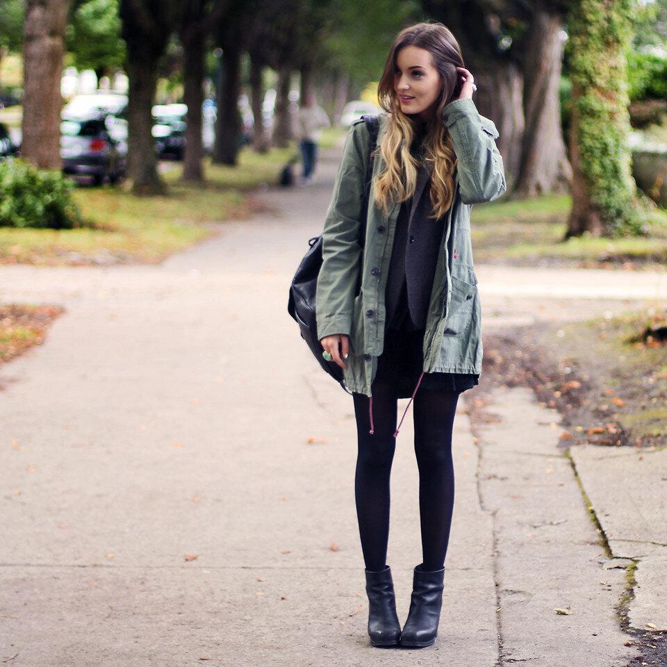 Để dạo phố vào mùa đông, đừng quên items quần legging với giày boot nhé!