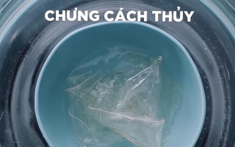 cho 45g lá gelatin vào đun cách thủy tới khi tan hết rồi đổ vào hỗn hợp sữa ở 2 bước trên khuấy đều rồi bỏ vào ngăn mát tủ lạnh giữ lạnh trong 3 tiếng.