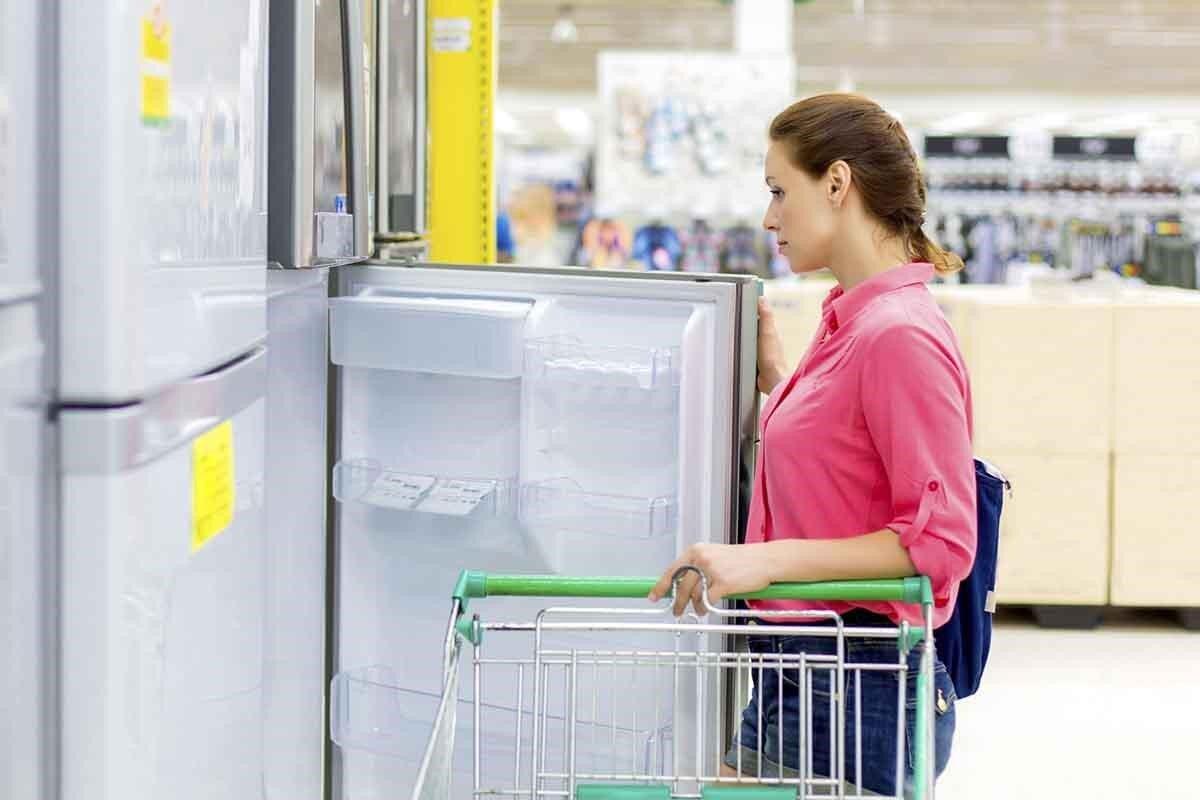 Giá tủ lạnh Hitachi Inverter dao động trong khoảng nào?