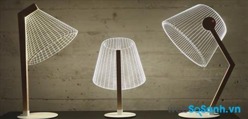 Khi bật sáng, chiếc đèn tạo ra chùm ánh sáng như những đèn thông thường