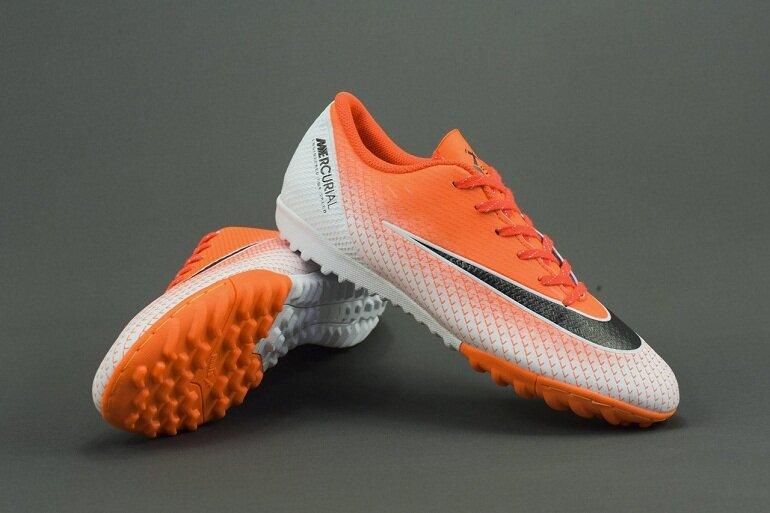 Giày bóng đá Nike Mercurial