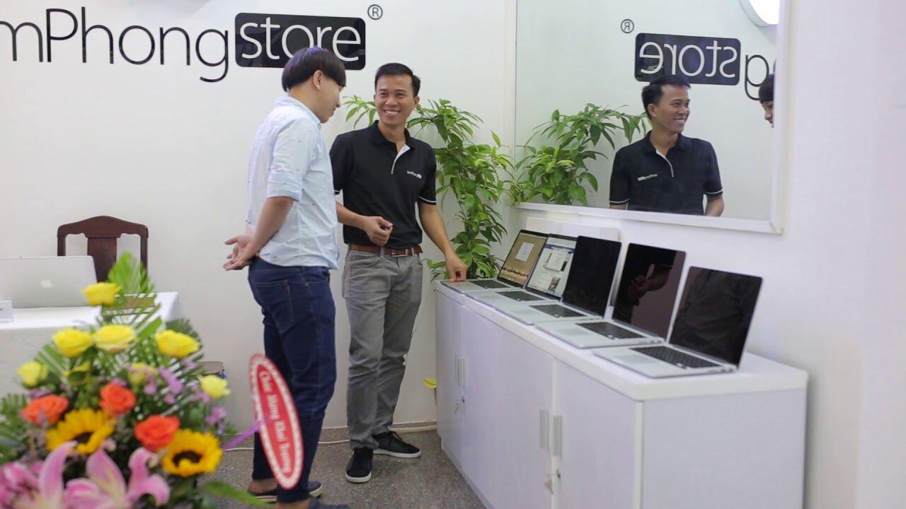 Nhân viên tại LamphongStore luôn nhiệt tình với khách hàng
