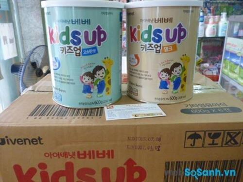 Sữa bột Kids Up hộp 600g có giá bán 620.000 đồng