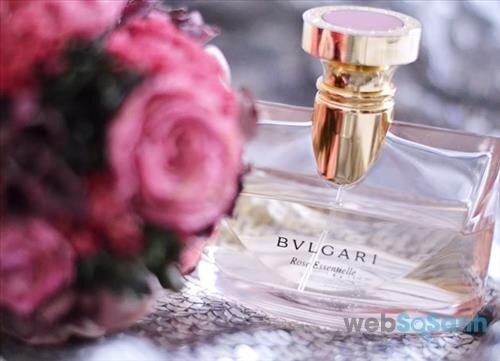 Nước hoa Bvlgari Rose Essentielle Eau de parfum mang phong cách điệu đà, nữ tính