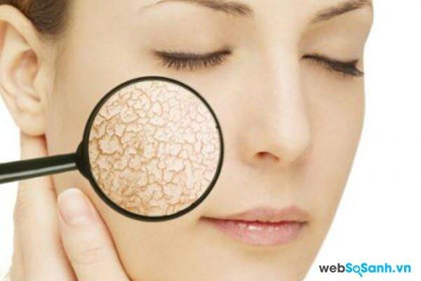 Làn da thiếu nước sẽ dễ bị nhăn và lão hóa (ảnh internet)