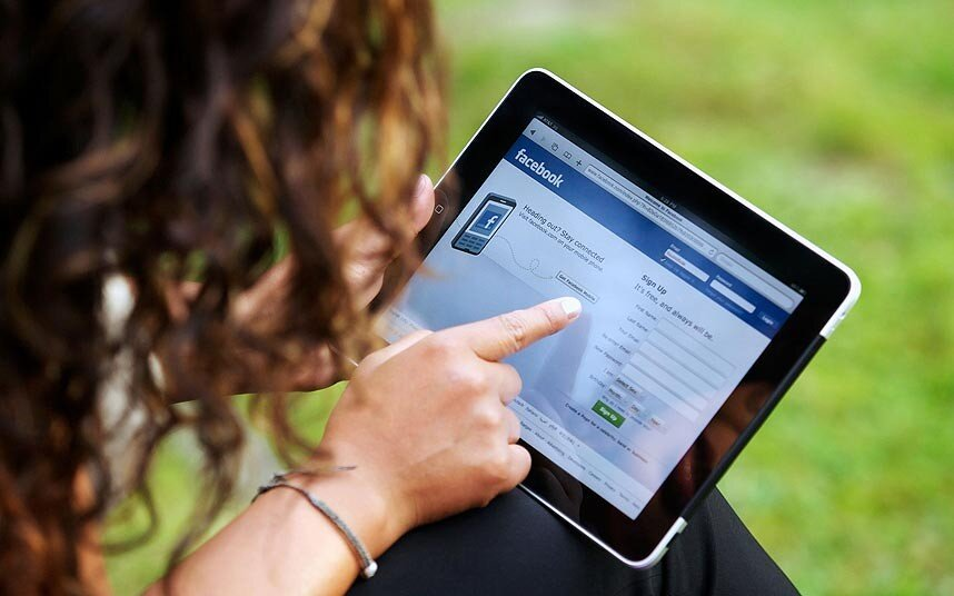 Sử dụng iPad quá lâu khiến máy bị nóng và tự tắt nguồn