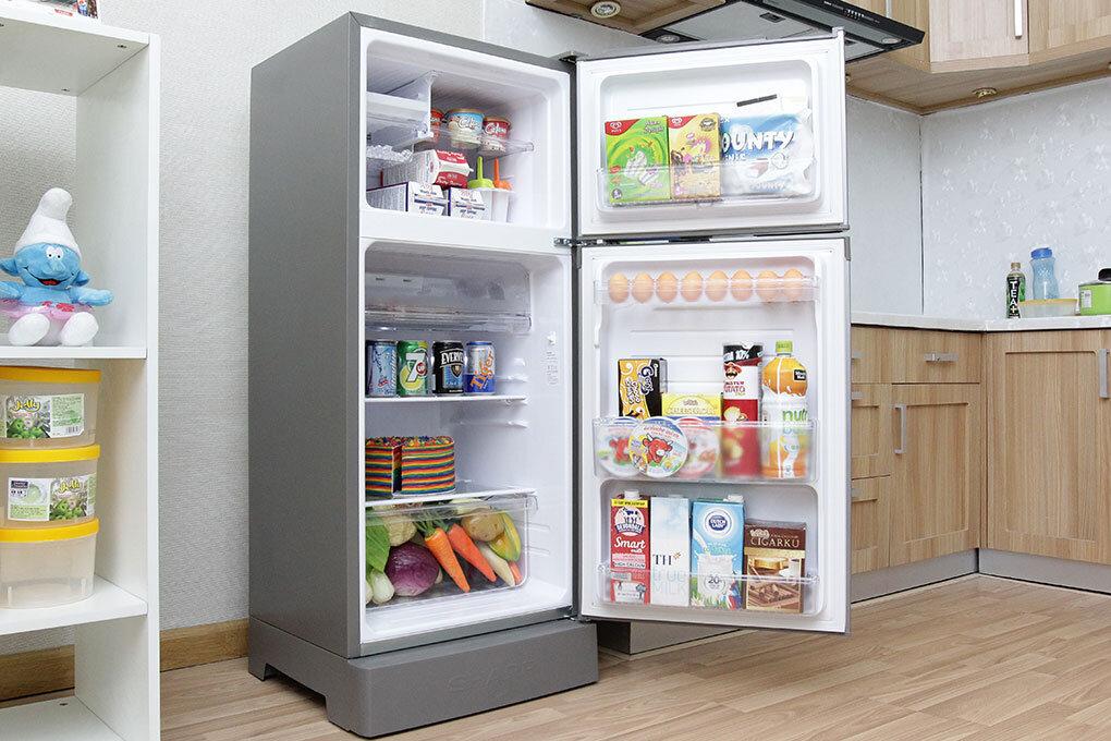 Tủ lạnh Sharp 180l thân thiện và dễ dàng với người sử dụng