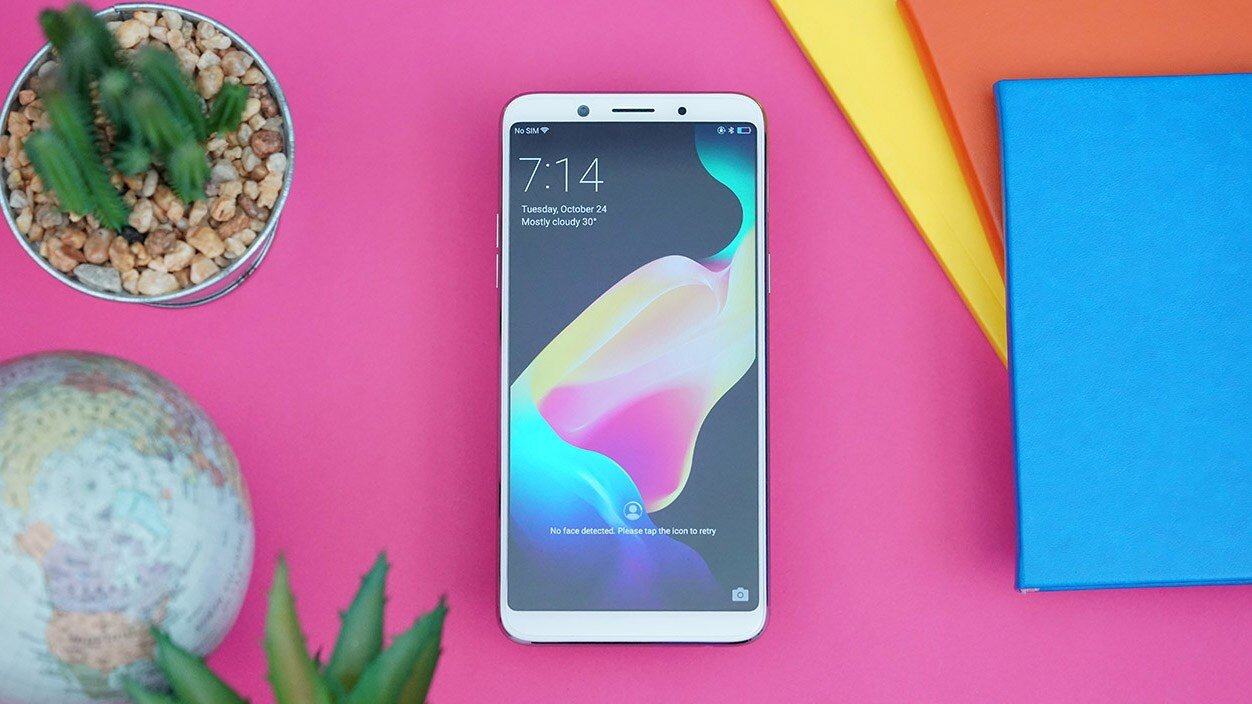 Màn hình Oppo F5 cho màu sắc hiển thị rõ nét, sinh động