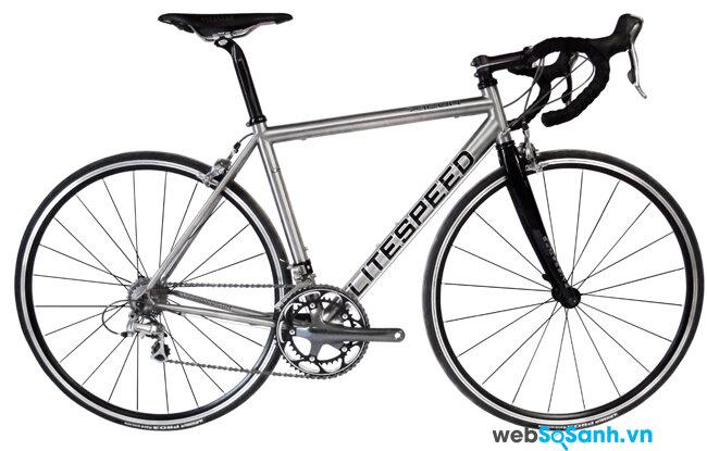Xe đạp khung titan thường có giá hàng trăm triệu
