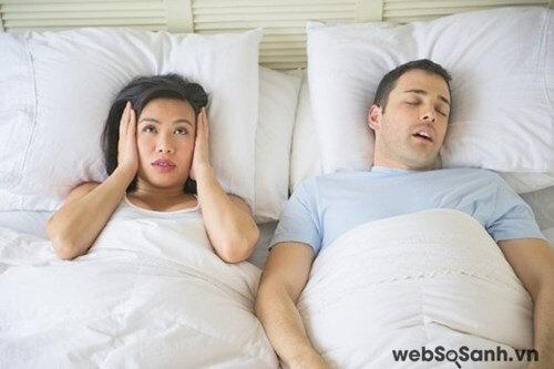 Ngủ ngáy sẽ khiến người xung quanh khó chịu
