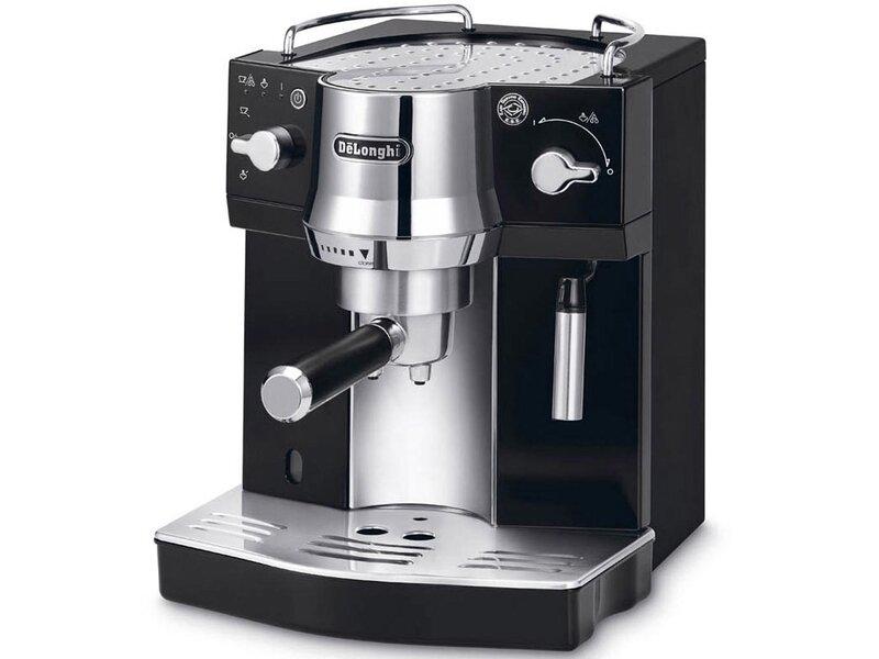 Máy pha cà phê với bộ phận vòi đánh sữa