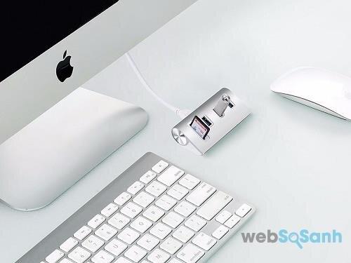 Hub USB kèm đầu đọc thẻ nhớ Micro và SD