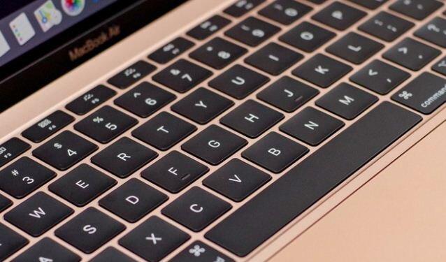 Bàn phím cũng là điểm đáng nói khi chuyển sang dạng bướm (butterfly) thế hệ thứ ba, tương tự như trên MacBook Pro 2018