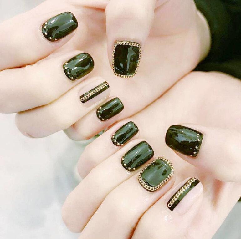 sơn móng tay Hàn Quốc màu xanh lục