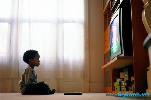 Trẻ nhỏ thường bị thu hút bởi các chương trình truyền thông giải trí