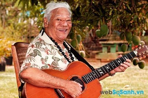Nghệ nhân và chiếc guitar Hawaii