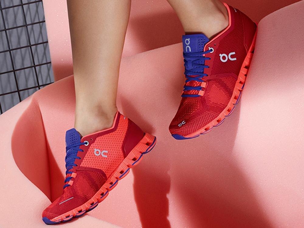 On Cloud X - mẫu giày chạy bộ dành cho những cô nàng yêu thời trang và thích vận động, rèn luyện cơ thể
