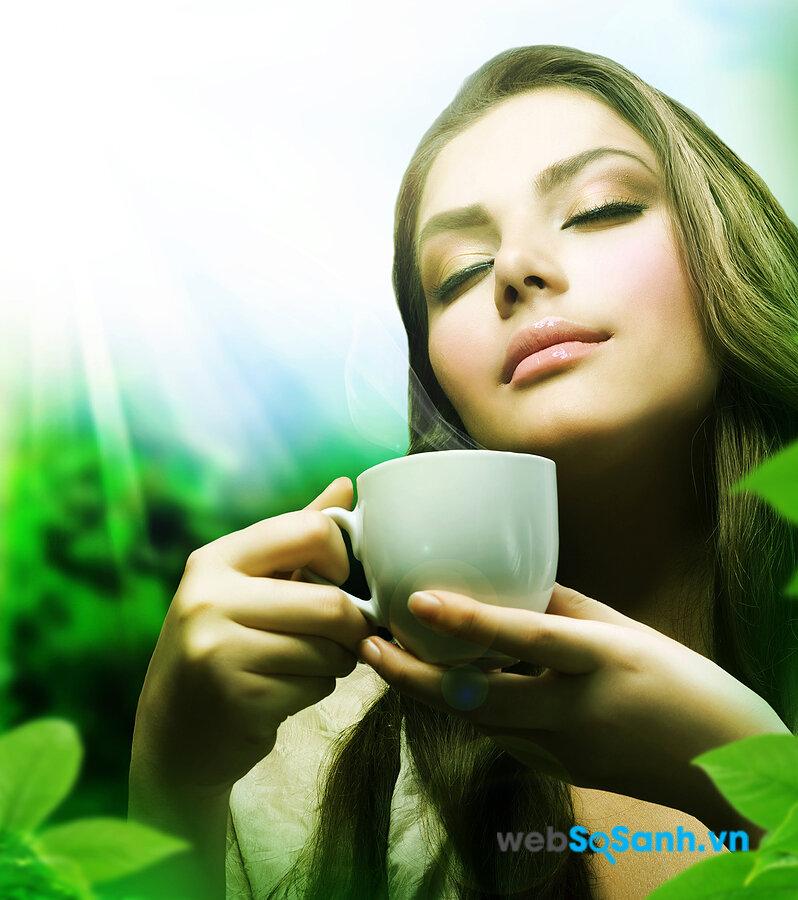 Uống trà loãng là một cách làm giảm huyết áp rất tốt