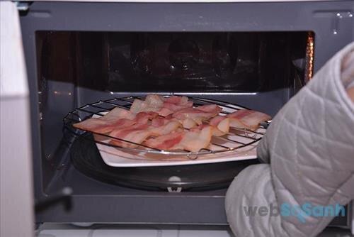 Lò vi sóng có nướng thịt được không