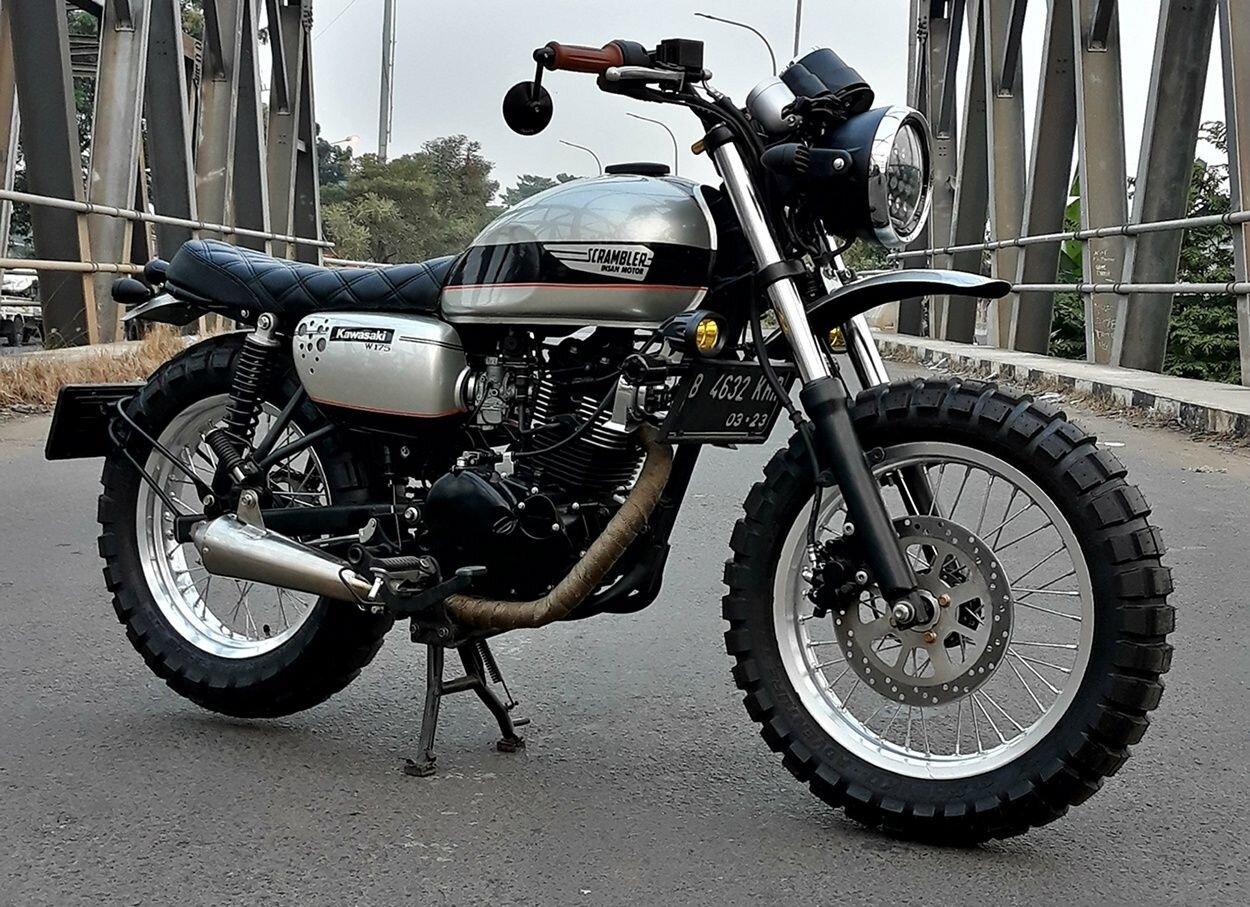 Kawasaki W175 thiết kế cổ điển, mang kiểu dáng phong trần