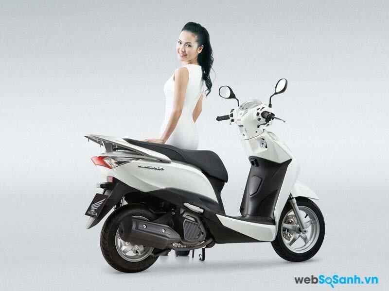 Việc bán, cho, biếu, tặng...xe máy cho người khác phải kèm theo việc thay tên, đổi chủ cho phương tiện