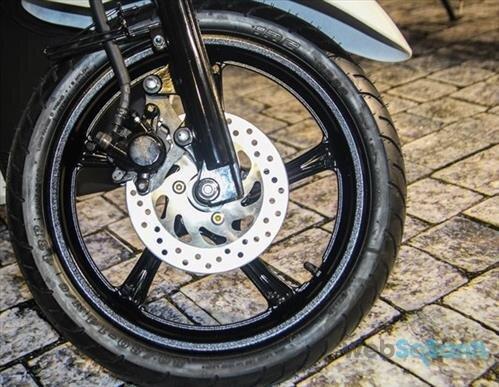 So sánh xe máy Yamaha Janus