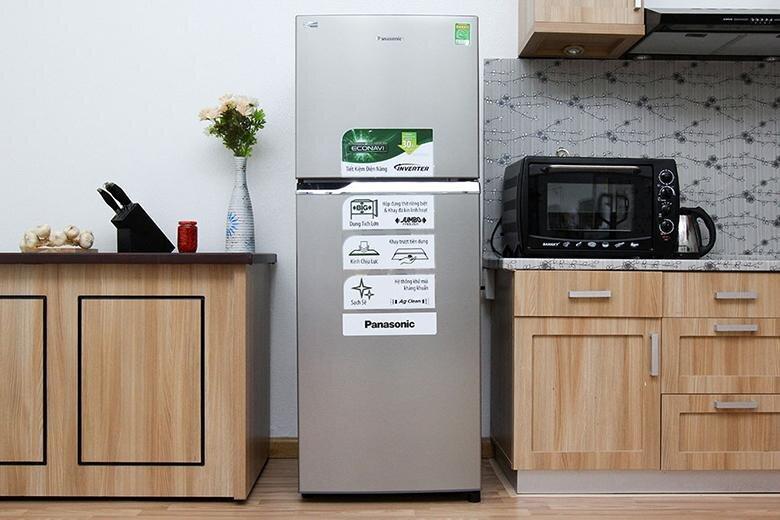 Tủ lạnh Panasonic 2 cánh ngăn đá trên.