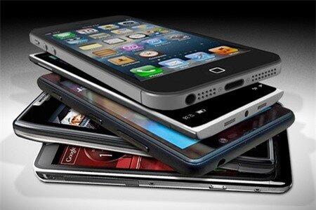 Tổng lượng tiêu thụ smartphone đã lần đầu tiên vượt mặt điện thoại cơ bản trong năm 2013