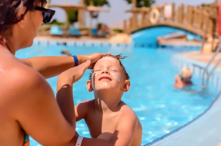 Nên chọn kem chống nắng for kids cho trẻ con
