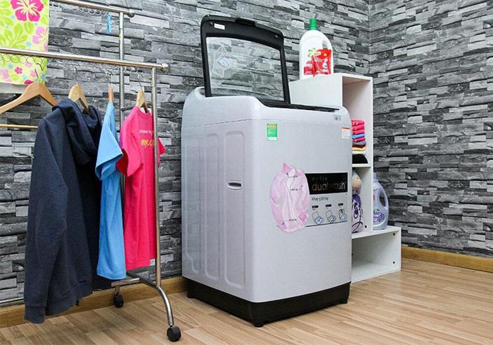 Máy giặt lồng đứng với nhiều ưu điểm