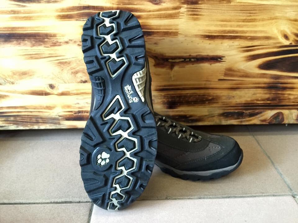 Những đôi giày đế mềm, thoải mái di chuyển sẽ giúp bạn tự tin trên cả quãng đường dài