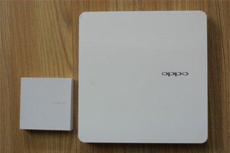 Mở hộp điện thoại OPPO N1 chính hãng tại Việt Nam