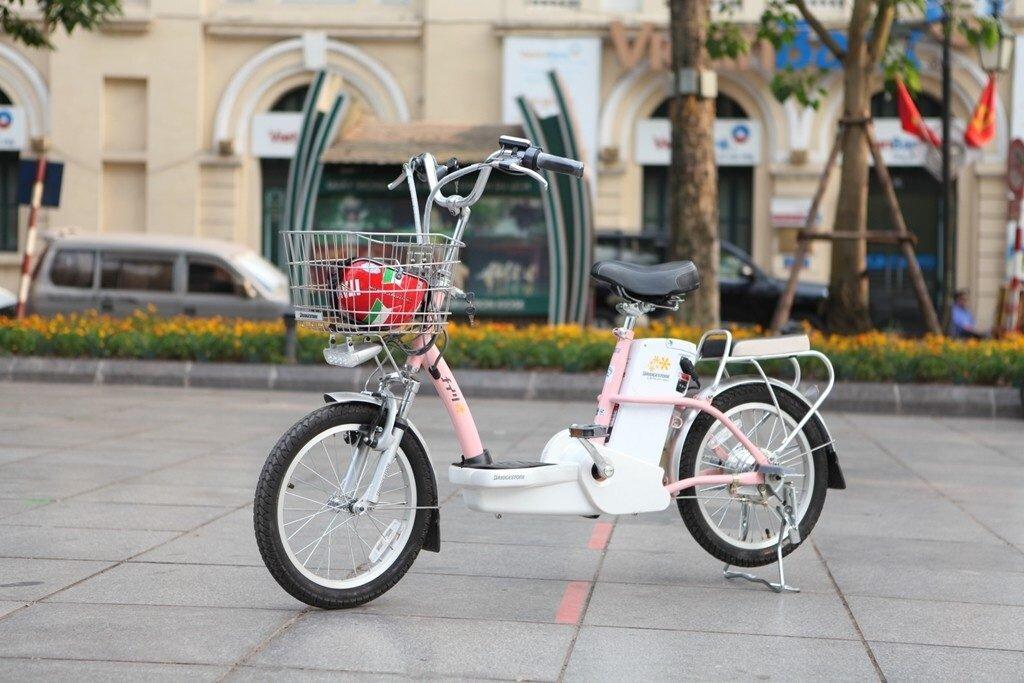 Mua xe đạp điện sử dụng pin có độ bền cao hơn dòng xe chạy bằng ắc quy