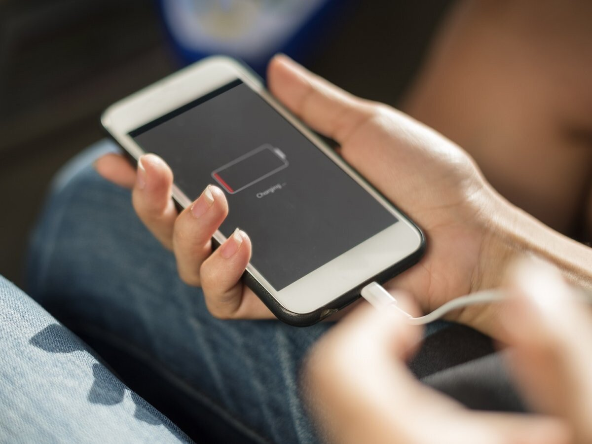 5 cách làm pin iPhone hết chai chơi game, xem clip không bị đứt quãng