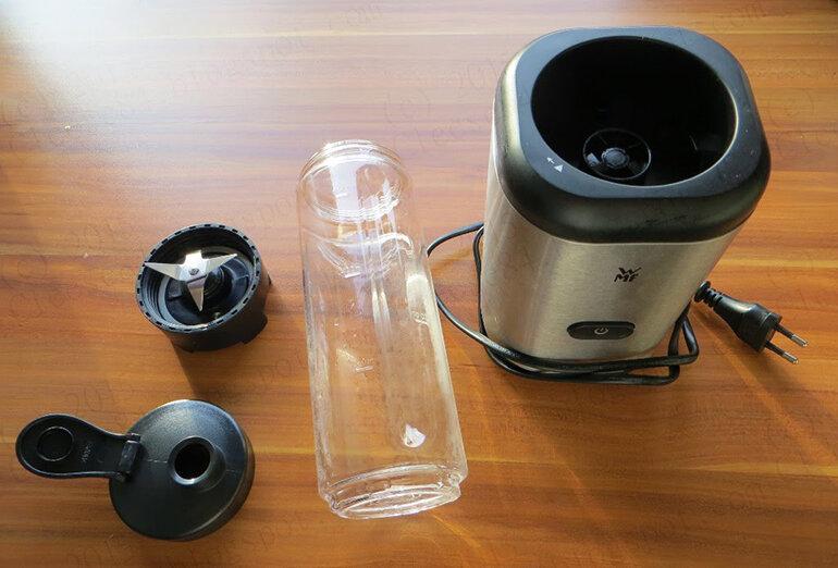 Mẫu máy xay sinh tố mini WMF Kult X Mix & Go (Nguồn: xachtay88.com)