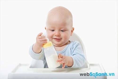 Sữa bột Aptamil 2 Đức giúp bé phát triển khỏe mạnh
