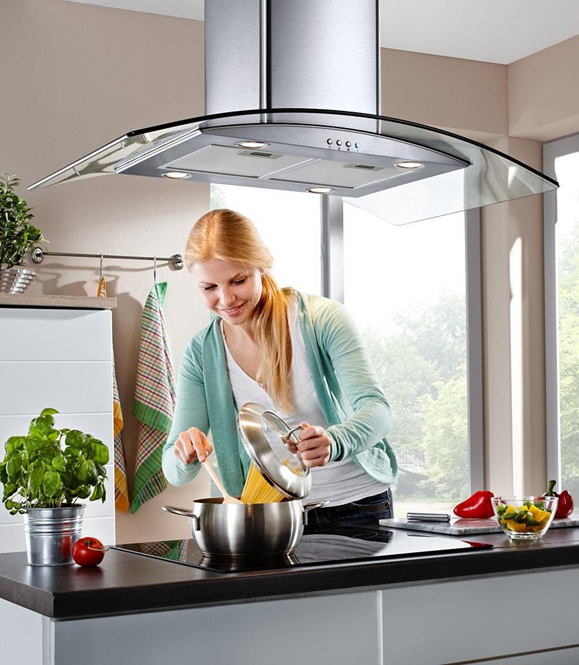 Tùy gian bếp có diện tích và sắp xếp ra sao mà lựa chọn vị trí lắp đặt máy hút mùi cho phù hợp, đảm bảo tính thẩm mỹ