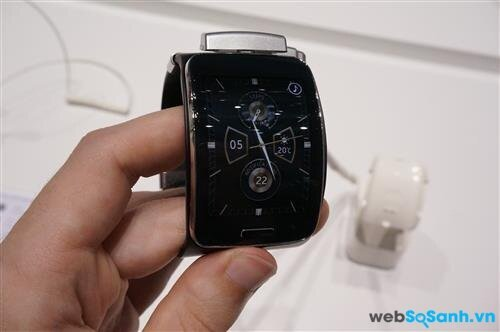 Samsung Gear S. Nguồn Internet