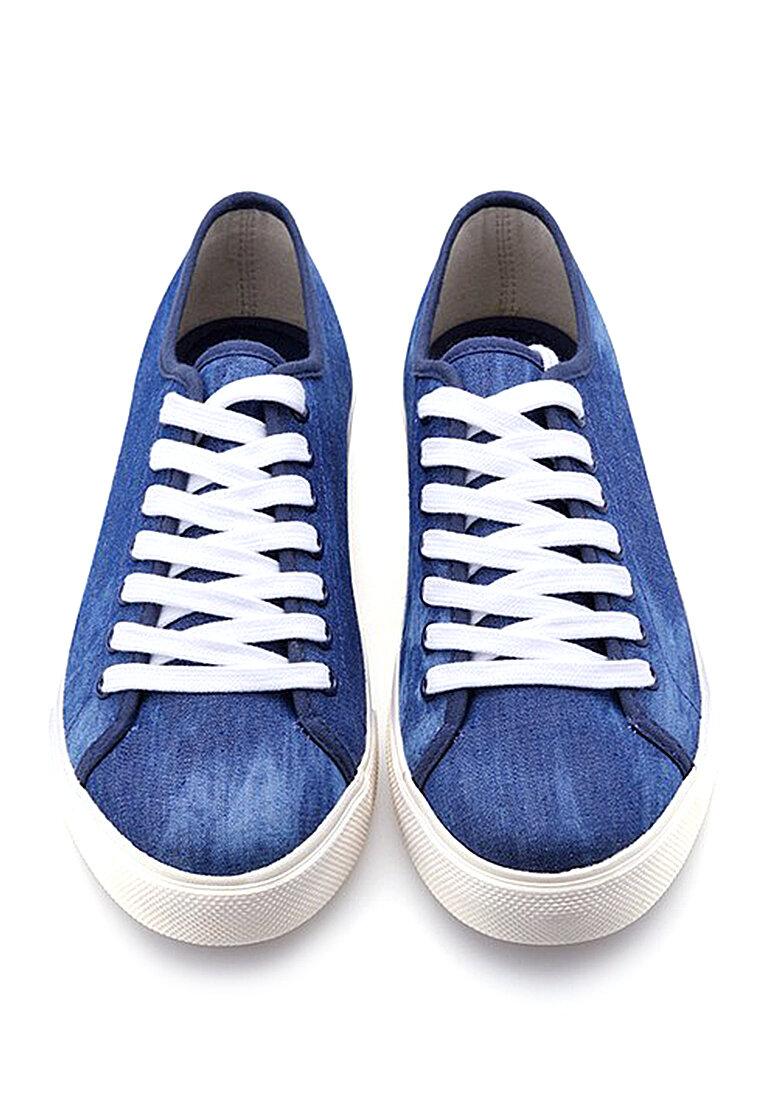 Giày sneakers vải bạt