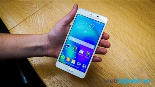 Samsung Galaxy A5 (2014) là chiếc smartphone tầm trung có giá rẻ