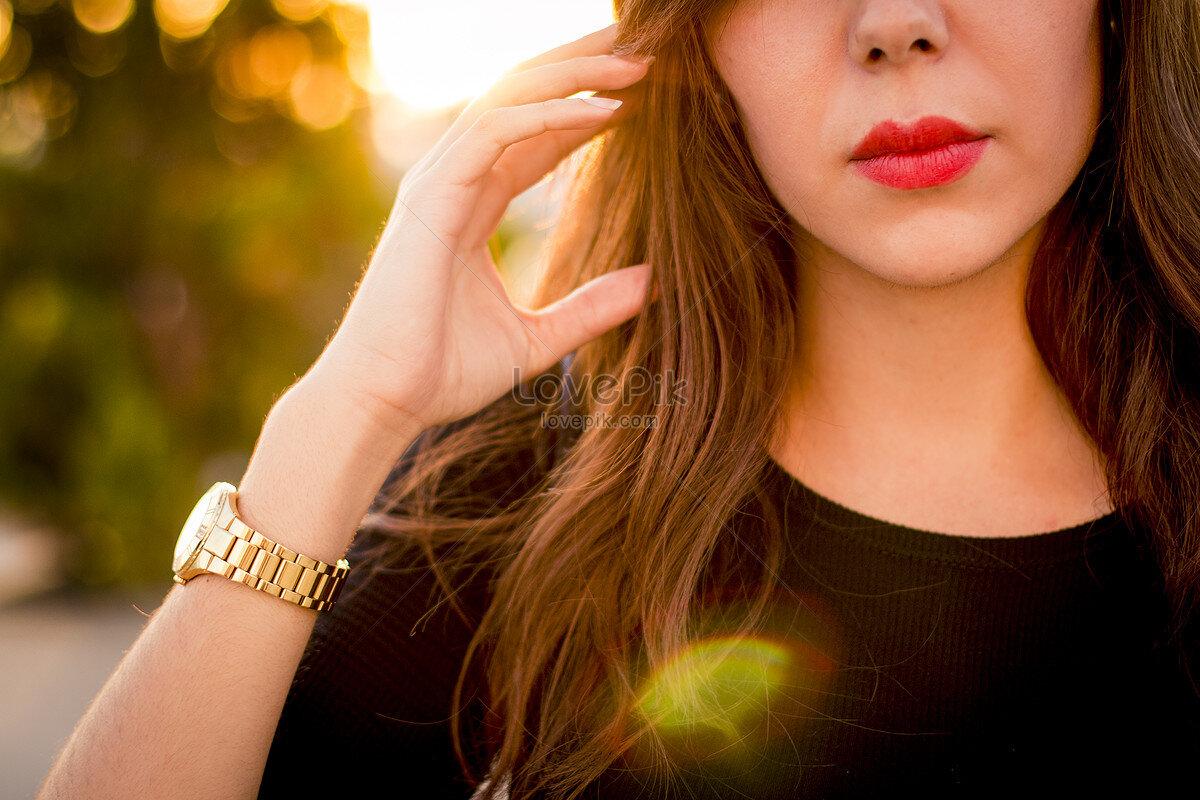 Phụ nữ nên đeo đồng hồ sao cho thoải mái, thuận tiện