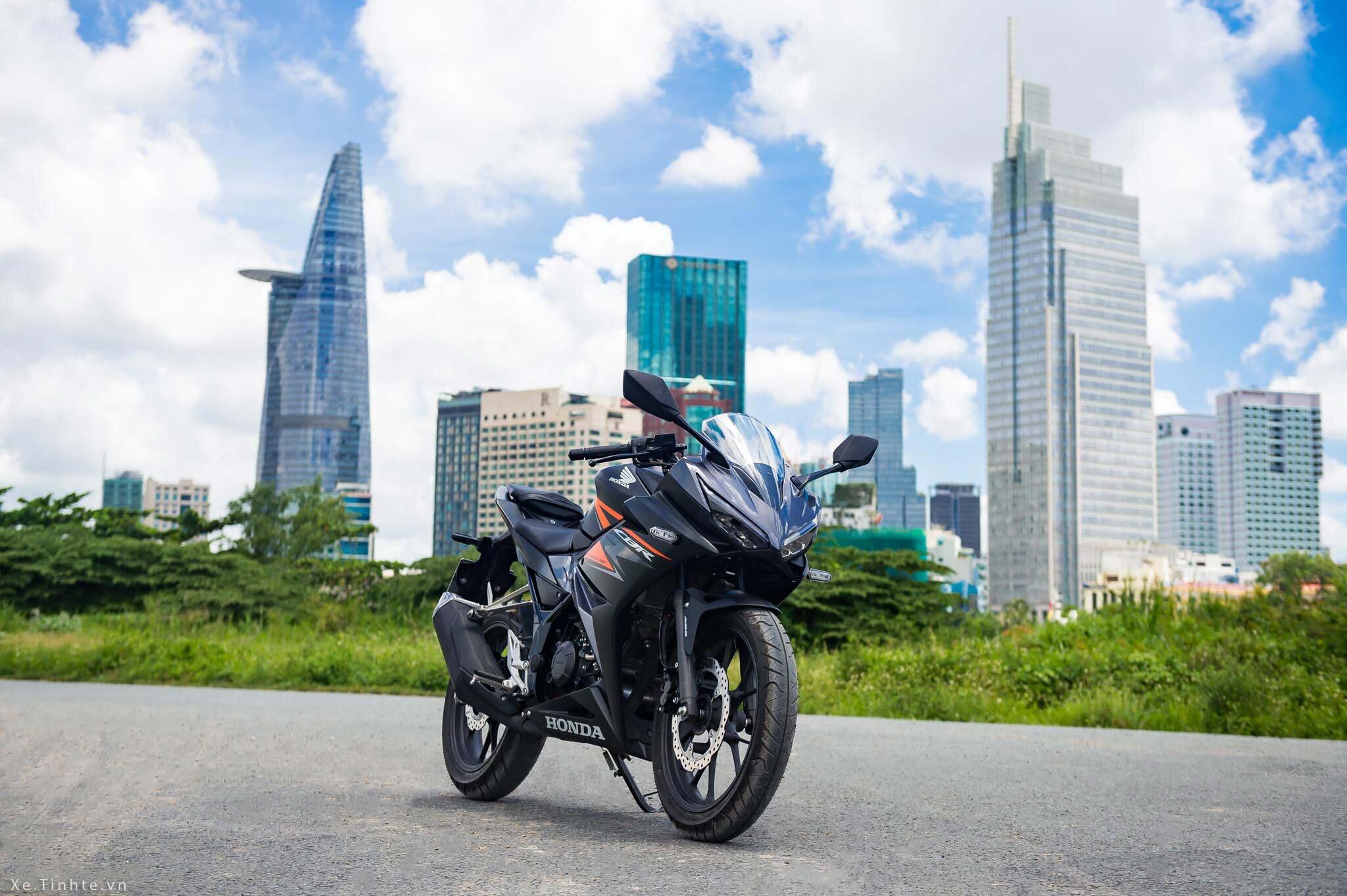 Honda CBR150R có ABS là đối thủ cạnh tranh với nhiều siêu xe nổi tiếng