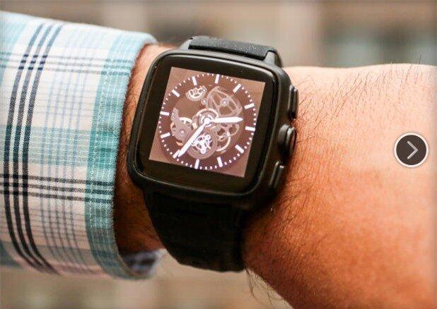 Omate TrueSmart sở hữu màn hình IPS 1,54 inch IPS và được trang bị nhiều mặt đồng hồ rất đẹp mắt.