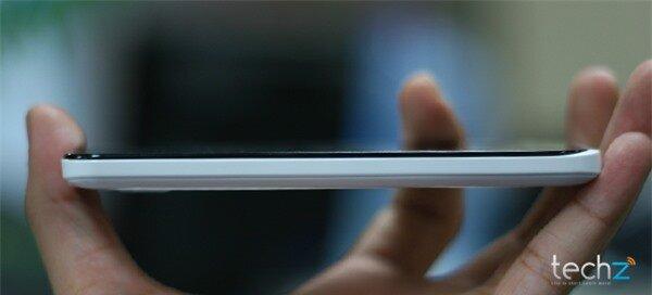 Đánh giá nhanh HKPhone Racer: Điện thoại bình dân giá rẻ-image-1386338531952