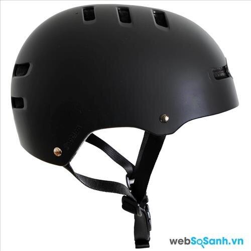 Mũ bảo hiểm là vật dụng rất cần thiết khi sử dụng ván trượt
