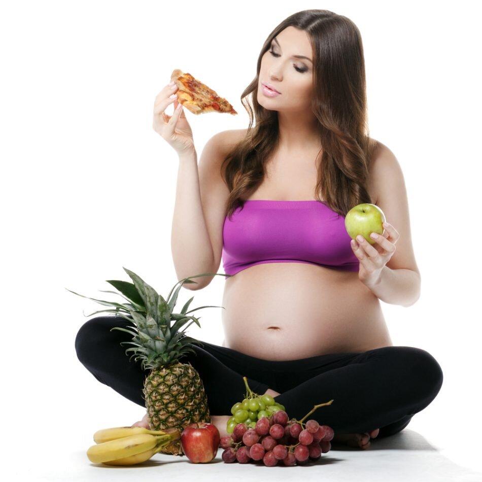 Trước khi ăn bà bầu hãy rửa sạch và loại bỏ hết hạt của trái cherry