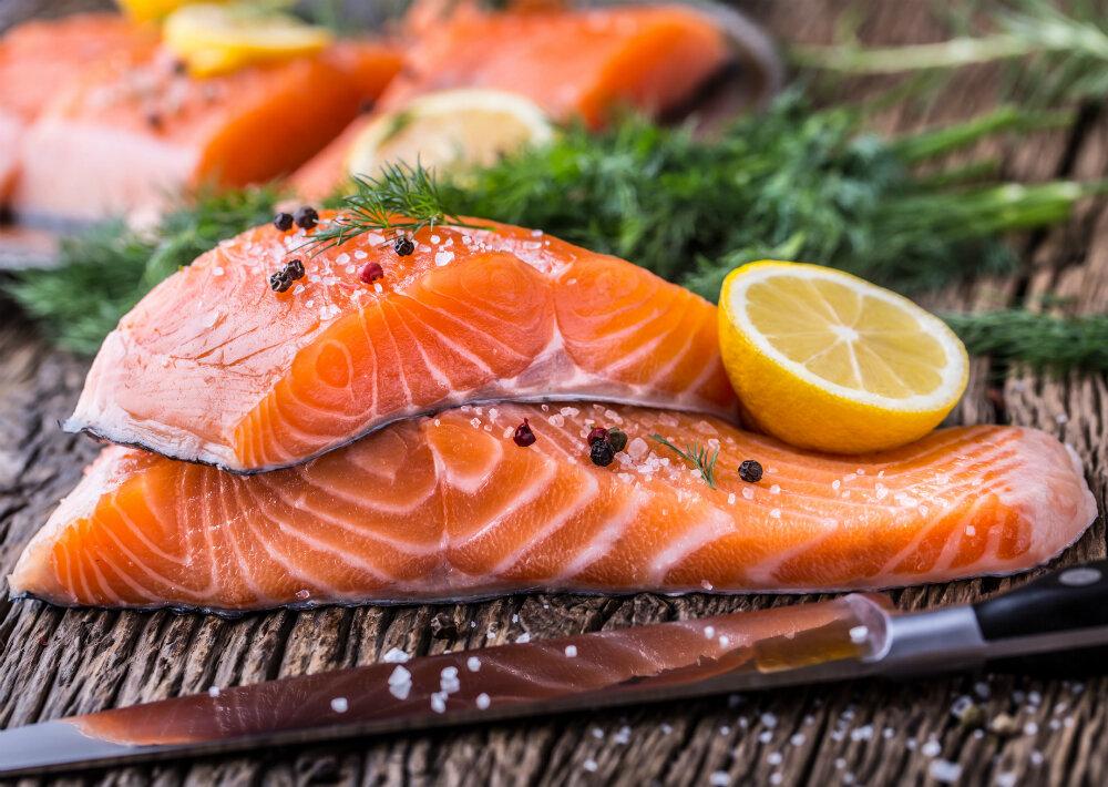 Cá hồi và các loại cá nhiều dầu khác đều tốt cho khớp