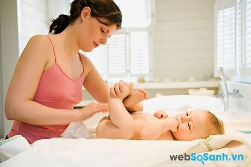 Chỉ nên cho bé sử dụng loại khăn giấy ướt không có mùi